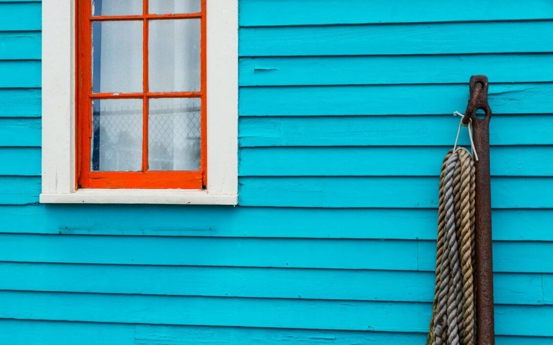 3 Ways Temperature Damages Old Vinyl Siding – Plus Replacement Ideas